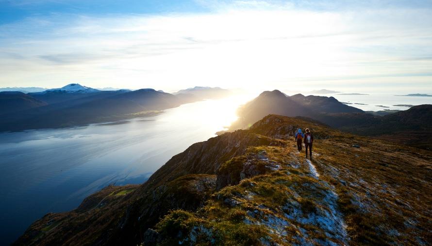 viajar montaña en pareja