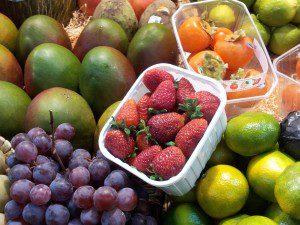 fruta fresca en el mercado central