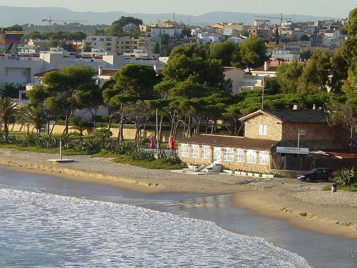 vistas del restaurante voramar a pie de playa